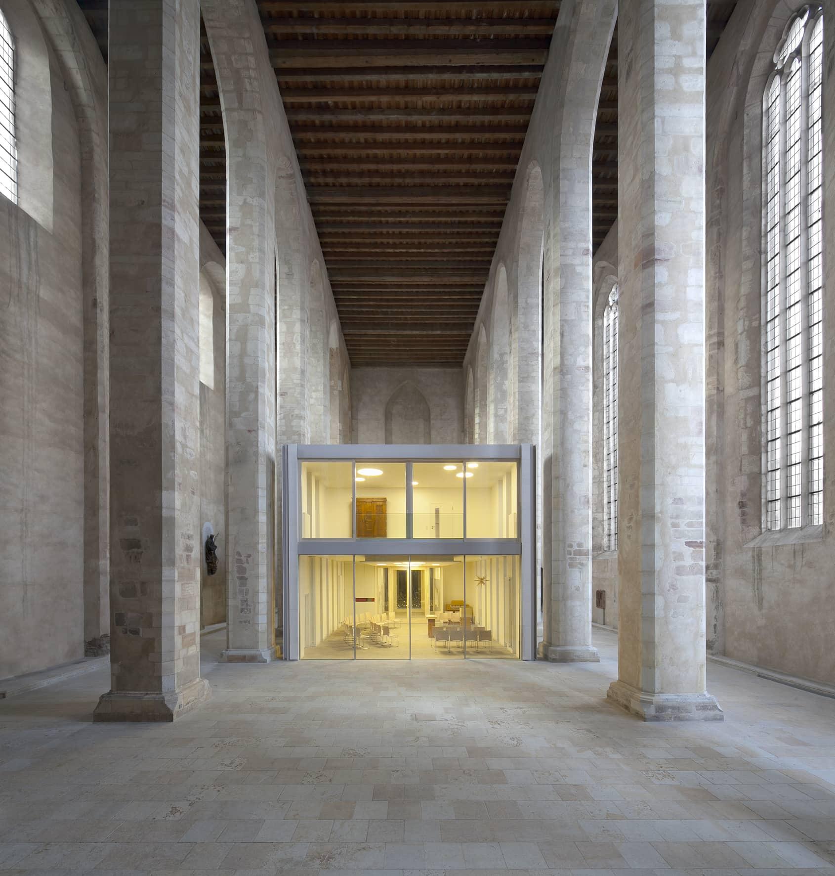 gemeindehaus in der wallonerkirche steinblock. Black Bedroom Furniture Sets. Home Design Ideas